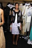 Model poses backstage at FLT Moda Art Hearts — Stock Photo