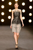 Model walks runway at Naeem Khan Fall — Stock Photo