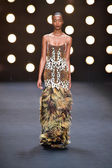 Model walks runway at Naeem Khan — Stock Photo