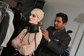 Stylist makes Model ready backstage — Stock Photo