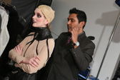 Model poses at Nina Athanasiou show — Stock Photo