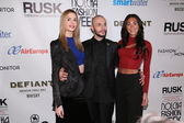 Actress Brittany Mason, designer Dany Tabet and guest — Stock Photo