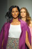 Models at R. Michelle fashion show — Стоковое фото