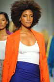 Models at R. Michelle fashion show — Stock fotografie