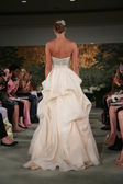 Model walks runway at Anne Barge show — Stock Photo