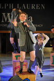 Kids at Matilda the Musical — Stock Photo