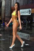 Modello durante la ricerca del modello bikini internazionale — Foto Stock