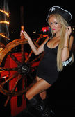 Model poses sexy at Pirates boat — Stock Photo