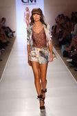 Model walks at Cia Maritima collection at Cabana Grande — Stock Photo