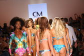Models walks runway finale at Cia Maritima collection — Stock Photo