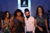 Adriana De Moura, A.Z Araujo and Cozete Gomes — Stock Photo
