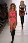 Kelly Rohrbach walks runway at Beach Bunny Swim collection — Stock Photo