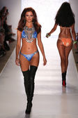 Model walks runway at Beach Bunny Swim collection — Stock Photo