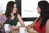 Krásné ženy pití kávy — Stock fotografie