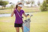 美しい少女ゴルフ プレーヤー — ストック写真