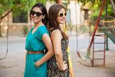 Girls wearing sunglasses — Stock Photo