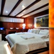 Bedroom of luxury sailboat — 图库照片