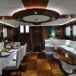 Lounge and dinner room of luxury yacht — Stock Photo