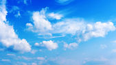 Blue sky and beautiful clouds — Stock Photo