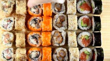Sushi i bambu — Stockvideo