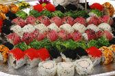 азиатские морепродукты, ролл, суши и сашими — Стоковое фото