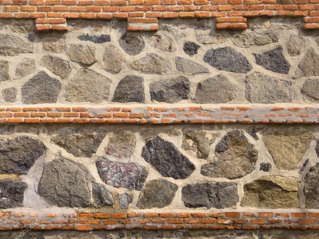 Vecchio muro di pietra e mattoni — foto stock © demachy #29065413
