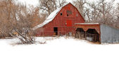 Red Rustic Barn in Winter — Stock Photo