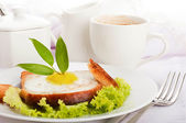 Breakfast from sausage, cheese and coffee, Provencal style — Stock Photo