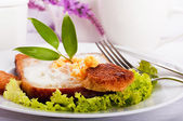 Breakfast from the fried eggs and coffee, Provencal style — Stock Photo