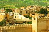 Maroc, un paysage d'un mur de la ville dans la ville de fès — Photo