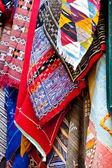 Helle farben der marokkanischen und berber teppiche — Stockfoto