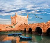 蓝色海洋海岸在索维拉,摩洛哥渔船 — 图库照片