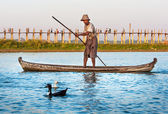 Farmers catch fish ancient way networks. — Stock Photo