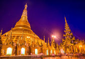 Shwedagon Pagoda in Yangon — Stock Photo