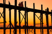 Bridge U-Bein teak bridge — 图库照片