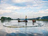 漁師が魚をキャッチします。 — ストック写真