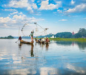 Fishermen catch fish — Foto de Stock