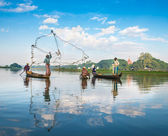 Fishermen catch fish — Stock Photo