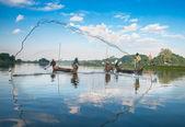 Fishermen catch fish — Stock Photo