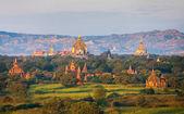 Ancient pagodas in Bagan — Stock Photo