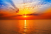 Sunrise in the sea — Stockfoto