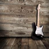 Gitara elektryczna w pokoju — Zdjęcie stockowe