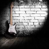 Elektrische gitaar in de kamer — Stockfoto