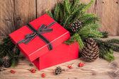 Caja de regalo con elementos de navidad — Foto de Stock