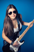 Beautiful young woman with guitar — Fotografia Stock