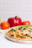 おいしい野菜のピッツァ — ストック写真