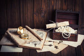 Treasure chest, compass and old map — Photo