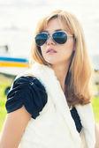 Woman  against plane — Stock Photo