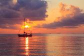 Yacht at sunset — Stock fotografie