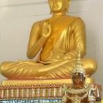 Buddha statue.Gold.Buddhism — Stock Photo #40066309